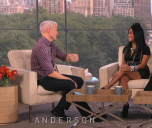 anderson-cooper-gifts-snooki-baby-sweet-gift