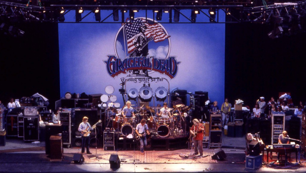Grateful_Dead-Greek_85-1